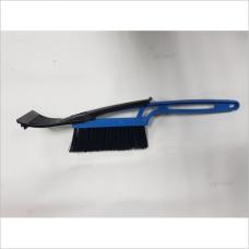 Щетка со скребком синяя 097102